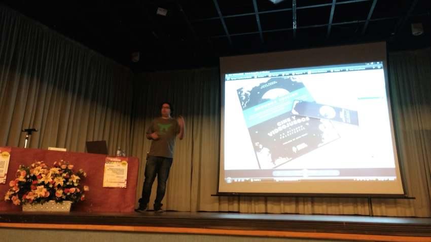 Villalobos durante su charla de cine y videojuegos Antihype